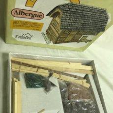 Maquetas: ALBERGUE JUEGO DE CONSTRUCCIÓN. MAQUETA A ESCALA. A ESTRENAR. Lote 241798800