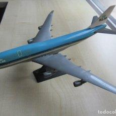 Maquetas: MAQUETAS DE LOS AVIONES DE KLM BOEING 474-400 Y DC4 CON CAJA. Lote 241925805