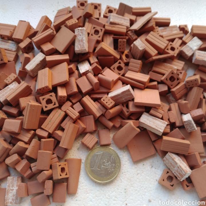 Maquetas: Lote + de 2 kg. tejas tochos accesorios maquetas casas rústicas iglesia vallas pozo arcadas suelos - Foto 8 - 242205415