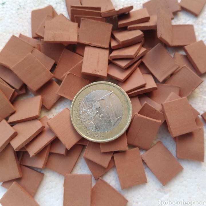 Maquetas: Lote + de 2 kg. tejas tochos accesorios maquetas casas rústicas iglesia vallas pozo arcadas suelos - Foto 6 - 242205415