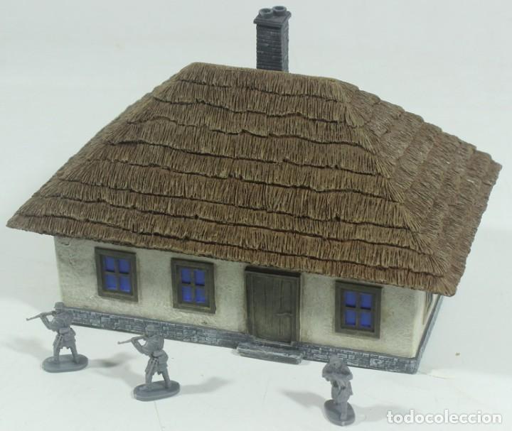 Maquetas: Maqueta casa de campo, en resina, escala aprox. 1/72, montada y pintada - Foto 3 - 245126940