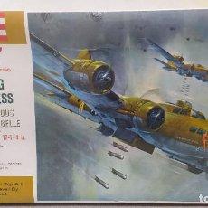 Maquetas: REVELL B-17 F SERIES FLYING FORTRESS, FAMOUS MEMPHIS BELLE AÑO 62. NUEVO, PRECINTADO SIN ABRIR.. Lote 246956680