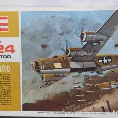 Maquetas: CONVAIR B-24 LIBERATOR WARBIRD 1/72 REVELL AÑO 64 NUEVO.. Lote 247310275