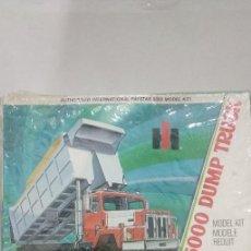 Maquettes: INTERNATIONAL PAYSTAR 5000 DUMP TRUCK ERTL 1/25SCALE. Lote 248706660