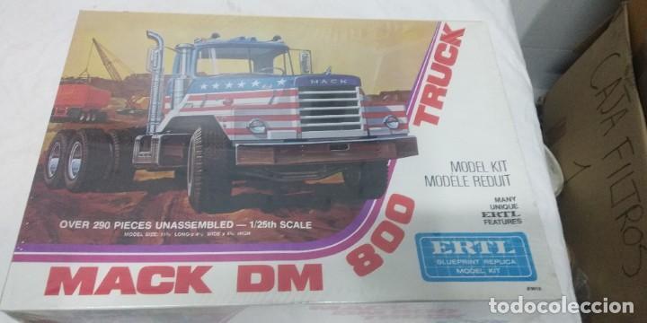 MACK DM 800 TRUCK ERTL SCALE 1/25 (Juguetes - Modelismo y Radiocontrol - Maquetas - Otras Maquetas)