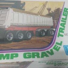 Maquettes: DUMP GRAVEL TRAILER ERTL 1/25. Lote 249545610