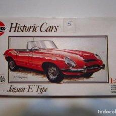 Maquetas: JAGUAR E TYPE MAQUETA 1/32 HISTORIC CARS NUEVA. Lote 249593875