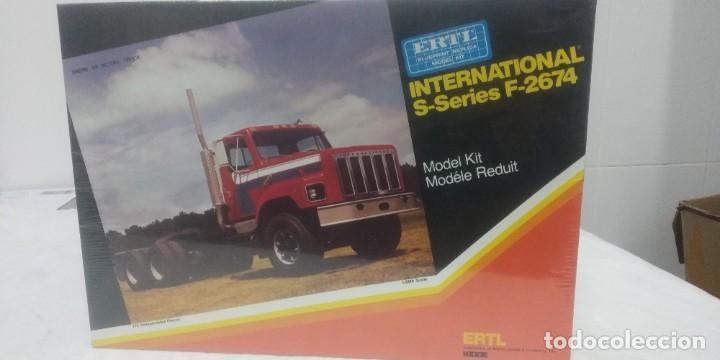 INTERNATIONAL S-SERIES F-2674 ERTL 1/25 (Juguetes - Modelismo y Radiocontrol - Maquetas - Otras Maquetas)