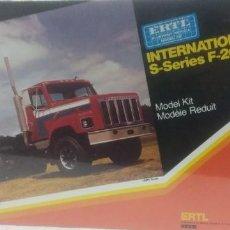 Maquetas: INTERNATIONAL S-SERIES F-2674 ERTL 1/25. Lote 288039558