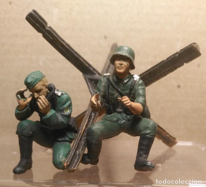 LOTE 2 SOLDADOS ALEMANES 1/35 MONTADOS Y PINTADOS (Juguetes - Modelismo y Radiocontrol - Maquetas - Militar)