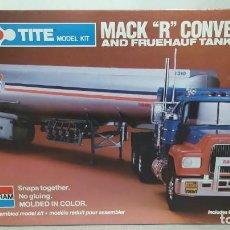 Maquetas: MACK R CONVENTIONAL AND FRUEHAUF TANKER 1/32 MONOGRAM. NUEVO BOLSA PRECINTADO.. Lote 267750984