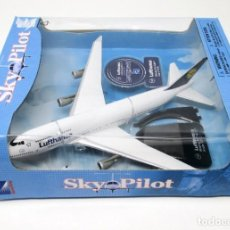 Maquetas: BOEING 747/400 - ESCALA 1/270 DE LA CÍA. ALEMANA LUFTHANSA.. Lote 267903404
