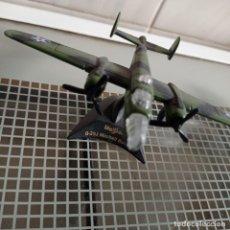 Maquetas: AVIÓN DE COMBATE DE MAISTO - B-25J MITCHELL BOMBER. Lote 279402138