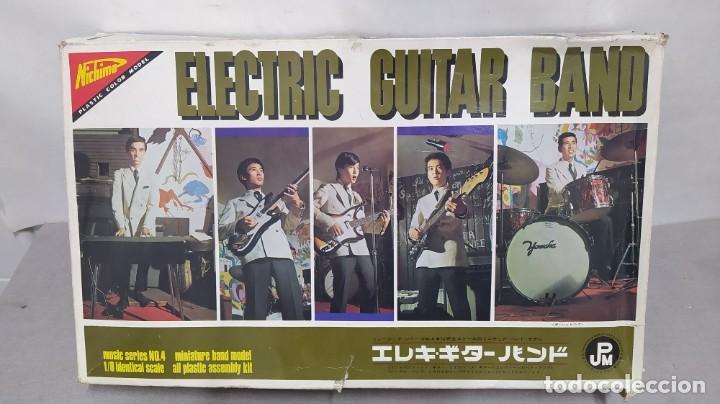 ELECTRIC GUITAR BAND DE NICHIMO 1/8 AÑO 1967 CON CALCAS DE LOS BEATLES. NUEVO. RARISIMO (Juguetes - Modelismo y Radiocontrol - Maquetas - Otras Maquetas)
