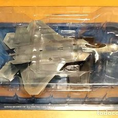 Maquetas: MAQUETA MONTADA DEL LOCKHEED MARTIN F-22A RAPTOR DE SALVAT A ESCALA 1/100. Lote 296018238
