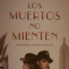 Coleccionismo Marcapáginas: MARCAPÁGINAS EDITORIAL EDICIONESB.LOS MUERTOS NO MIENTEN.STHEFEN SPOTSWOOD.T POSTAL. Lote 244644495
