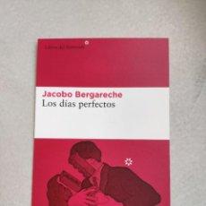 Coleccionismo Marcapáginas: MARCAPÁGINAS TAMAÑO POSTAL - LIBROS DEL ASTEROIDE - LOS DÍAS PERFECTOS - JACOBO BERGARECHE. Lote 262318760