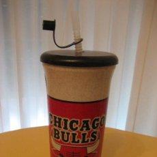 Coleccionismo deportivo: BOTELLIN / VASO DE PLÁSTICO CHICAGO BULLS. Lote 26832598