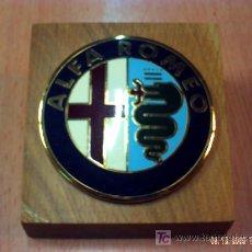 Coleccionismo deportivo: EMBLEMA DE COCHE ALFA ROMEO. Lote 21987142