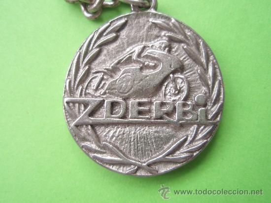 ANTUGUO LLAVARERO DEL CAMPEONATO DE 125 Y 50 DEL 1.971-72 (Coleccionismo Deportivo - Merchandising y Mascotas - Otros deportes)