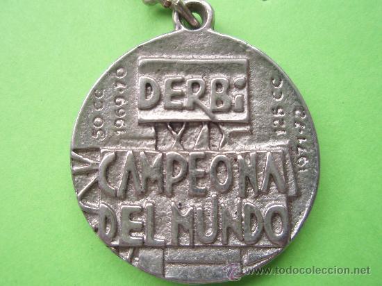 Coleccionismo deportivo: Antuguo llavarero del campeonato de 125 y 50 del 1.971-72 - Foto 2 - 71467607