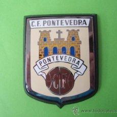 Coleccionismo deportivo: ANTIGUA PLACA DE METAL DEL F.C.PONTEVEDRA COMPLETAMENTE NUEVA. Lote 26163314