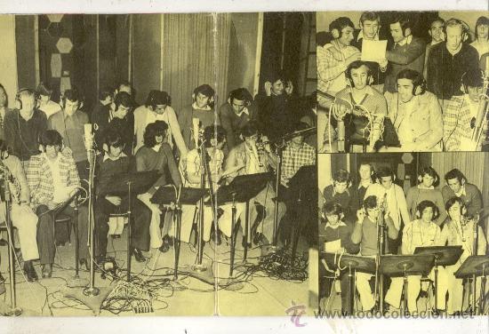Coleccionismo deportivo: DISCO SINGLE 45 RPM CON DESPEGABLE / AZUL GRANA -CANTAN LOS JUGADORES DEL F.C.BARCELONA - Foto 2 - 27954810