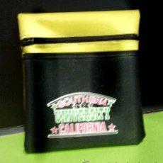 Coleccionismo deportivo: MINI BOLSA - UNIVERSITY /SOUTHERN /CALIFORNIA - TELA LONA CON CREMALLERA Y DEPARTAMENTO - AÑOS 70/80. Lote 28657642