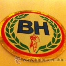 Coleccionismo deportivo: ADHESIVO PEGATINA BICICLETA ANTIGUA CLASICA BH PASEO PLEGABLE BICICROSS. Lote 214325132