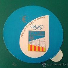 Coleccionismo deportivo: ADHESIVO PEGATINA FEDERACIÓN CATALANA DE VOLEIBOL FEDERACIÓ CATALANA DE VOLEI. Lote 34550840