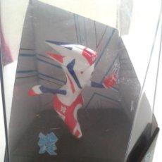 Coleccionismo deportivo: MANDEVILLE, MASCOTA JUEGOS OLIMPICOS 2012 LONDRES (ORIGINAL) SIN DESPRECINTAR. Lote 39476389