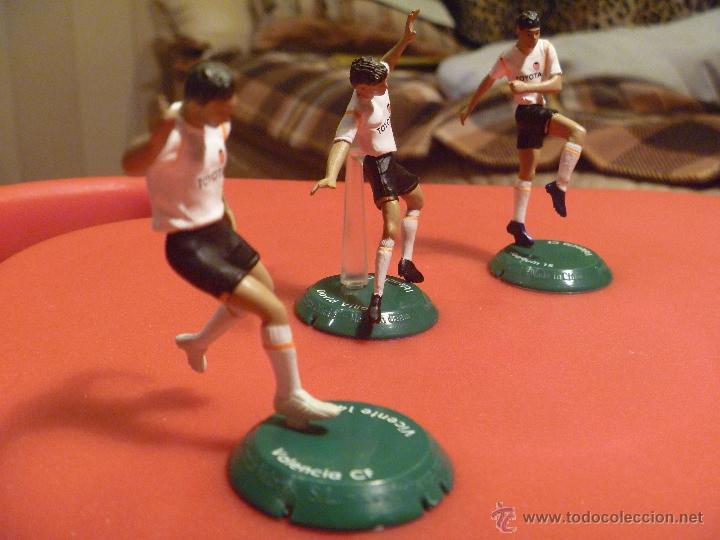 Coleccionismo deportivo: Figura pvc futbol Vicente Villa Joaquin Valencia Ftchamps - Foto 2 - 48269487