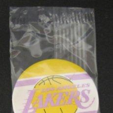 Coleccionismo deportivo: CHAPA BALONCESTO BASKET NBA LOS ANGELES LAKERS,NUEVA AÑOS 90. Lote 48479128