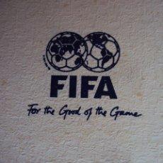 Coleccionismo deportivo: (F-0103)CORBATA OFICIAL FIFA DE DON PABLO PORTA PRESIDENTE DE LA FEDERACION ESPAÑOLA DE FUTBOL,80S. Lote 48751981