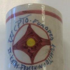 Coleccionismo deportivo: CERÁMICA CAMPEONATO EUROPA KUMITÉ KÁRATE KYOKUSHIN. Lote 49510665