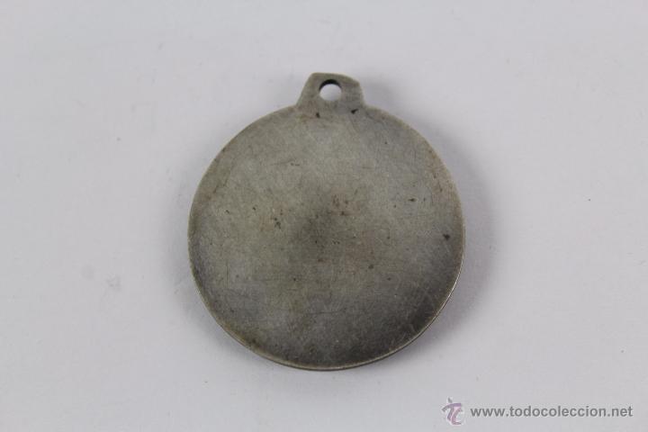 Coleccionismo deportivo: M-407. MEDALLA EN METAL PLATEADO DE LA FEDERACION CATALANA DE SOCORISMO - Foto 2 - 49653768