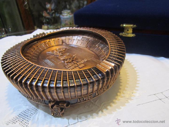 Coleccionismo deportivo: Rebajado Cenicero de bronce de las Olimpiadas Seul 1988. Gran pieza. Con su estuche. - Foto 4 - 50146669