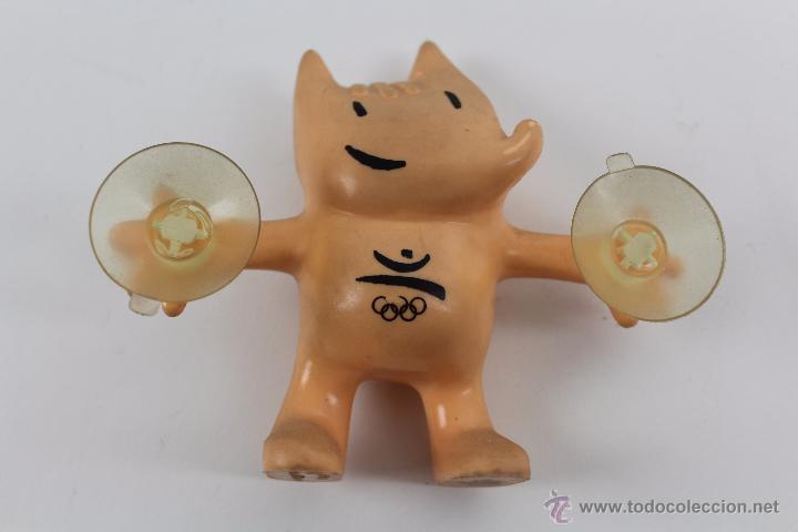 COBI EN GOMA CON VENTOSAS EN LAS MANOS. 1988 COOB 92 S.A. (Coleccionismo Deportivo - Merchandising y Mascotas - Otros deportes)