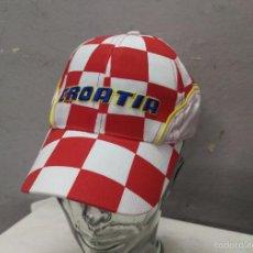 Coleccionismo deportivo: GORRA TELA FUTBOL CROATIA CROACIA TALLA 54 CM.. Lote 56801175