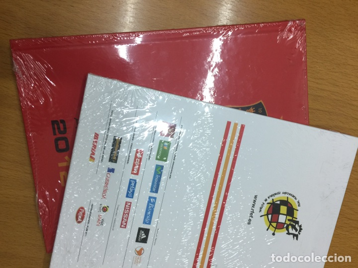Coleccionismo deportivo: Envío 8€. Dos agendas de RFEF DE LA SELECCIÓN ESPAÑOLA DE FÚTBOL 2012 y 2013 nuevas sin abrir - Foto 2 - 83941712