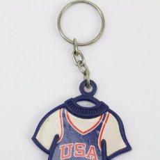 Coleccionismo deportivo: LLAVERO / CAMISETA USA 8 - MUNDIAL BASKET / BALONCESTO ESPAÑA 86 - PUBLICIDAD DANONE. Lote 86097120