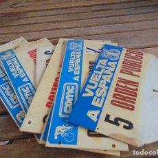 Coleccionismo deportivo: LOTE DE 7 PLACAS EN PLASTICO DURO DE LA VUELTA CICLISTA ESPAÑA AÑOS 1982 1984 185 1986 ORDEN PUBLICO. Lote 93709365