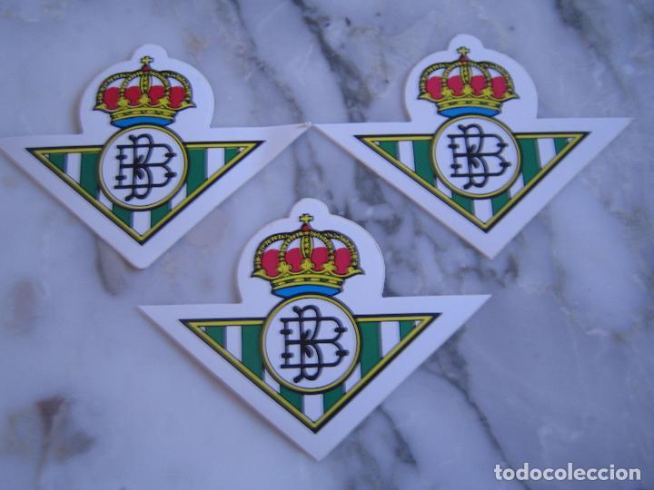 INTERESANTE LOTE 3 ADHESIVOS PEGATINAS DEL REAL BETIS BALOMPIE FUTBOL (Coleccionismo Deportivo - Merchandising y Mascotas - Otros deportes)