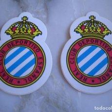 Coleccionismo deportivo: INTERESANTE LOTE 2 ADHESIVOS PEGATINAS DEL REAL CLUB DEPORTIVO ESPAÑOL FUTBOL. Lote 100381287