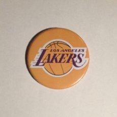Colecionismo desportivo: LOS ANGELES LAKERS - ABREBOTELLAS 59MM (CON IMAN PARA PONER EN LA NEVERA). Lote 42880440
