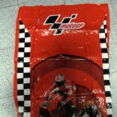 Coleccionismo deportivo: COLCHONETA INCHABLE DE MOTO GP NUEVA A ESTRENAR. Lote 110676867