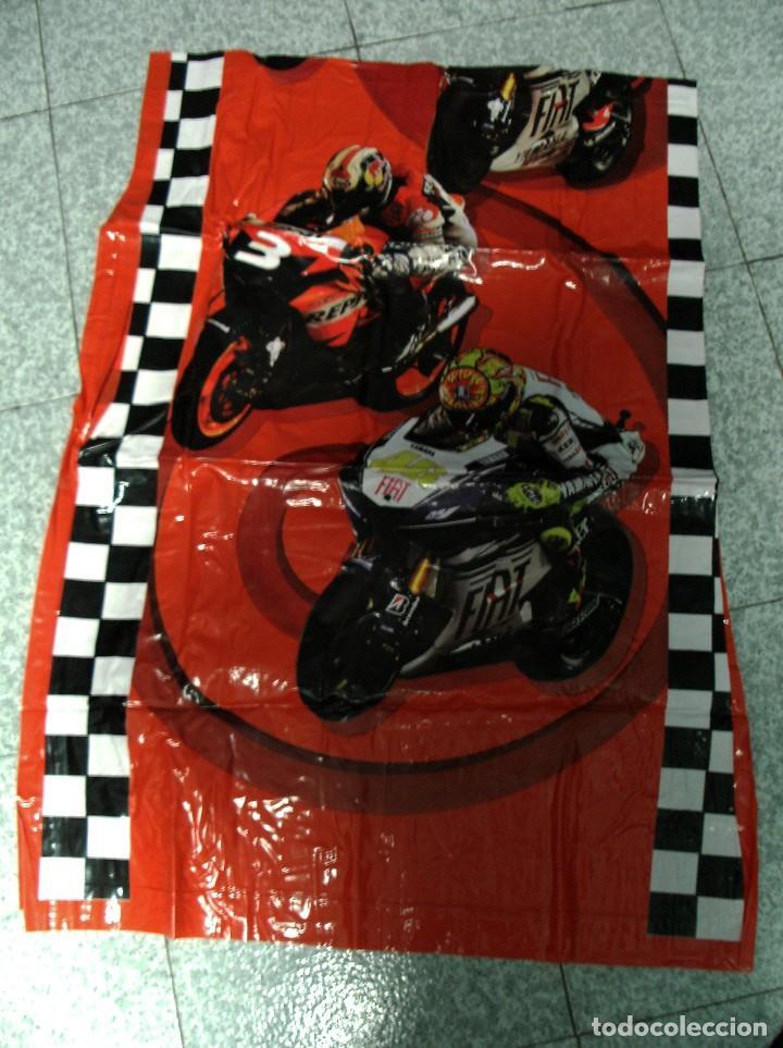Coleccionismo deportivo: Colchoneta inchable de Moto GP Nueva a estrenar - Foto 2 - 110676867