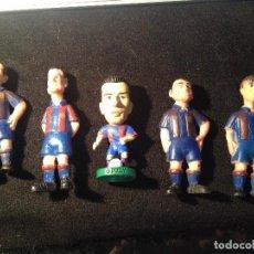 Coleccionismo deportivo: CAJA BLANCA LOTE DE 5 JUGADORES DEL FUTBOL CLUB FC BARCELONA F.C BARCA CF. Lote 112032995