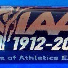 Coleccionismo deportivo: BARRA DE RELEVOS COMMEMORATIVA DE LOS 100 DE IAAF. Lote 114582603
