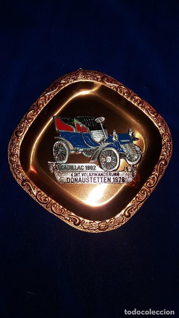 PLACA CONMEMORATIVA CADILLAC 1902, DONAUSTETTEN 1976 (Coleccionismo Deportivo - Merchandising y Mascotas - Otros deportes)